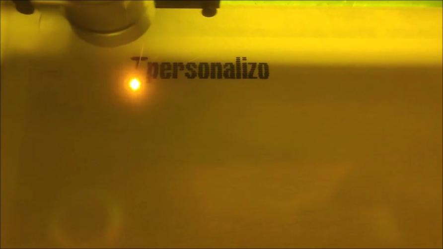Láser CO2 grabado y corte láser en madera