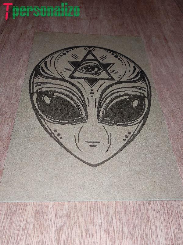 grabado alien ojo providencia